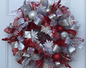 Elegant Snowflake Mesh Christmas/Winter Wreath In Red And White