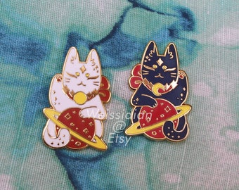 Celestial Space Cat / Lucky Cat   35mm Hard Enamel Pin