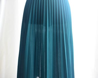 1970's Green Pleated Accordian Skirt with Elastic Waistband