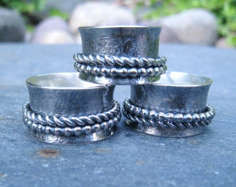 Silver spinner ring, sterling silver ring, fidget ring, hammer textured ring, oxidized silver ring, size 6, size 7.5, size 8, twiddle ring