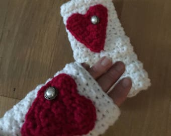 Handwarmers....Fingerless Gloves....with a Big Heart...White and Red