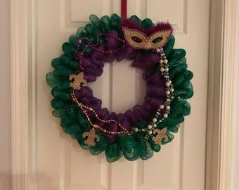 Mardi Gras Bead Wreath // Mardi Gras Mask Wreath // Green and Purple Carnival Wreath