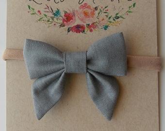 Eloise Mini Sailor Bow in Gray