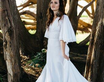 Vintage bell sleeve bohochic bridal gown