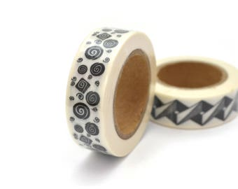 1 coil 10 m of masking tape spiral black and white 15mm