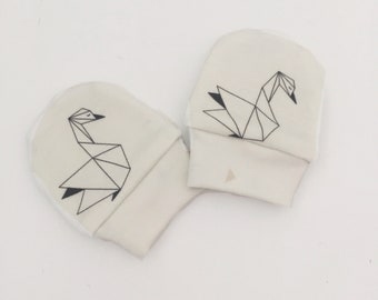 Baby Mittens, Mittens, Newborn Mittens, Baby Gloves - Origami Swans // IN STOCK - SALE