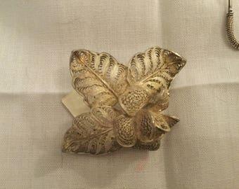 Small silver filigree brooch
