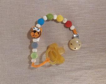 Orange cat pacifier clip wood,crochet pacifier holder,dummy holder,kitty cat,crochet cat dummy chain,wood pacifier clip,wooden pacifier clip