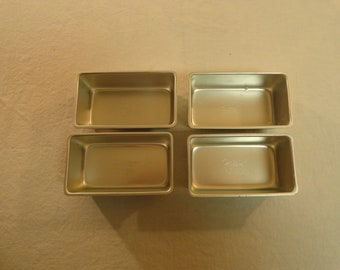 Set Of 4 1972 Wilton Chicago Mini Loaf Pans 512-1089