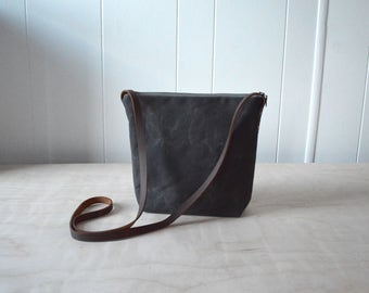 Shoulder Bag in Dark Brown Waxed Canvas - Cross Body Purse