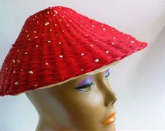 Vintage 1950s Raffia hat Coolie mid century Mad Men asymmetrical woven Pixie hat white dots