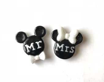 Mickey Groom Pin. Mickey Mr. Pin, Mickey Wedding Pin, Minnie Mickey Wedding Pins, Bouquet Pins, Boutonniere Pin, Disney Wedding, Badge