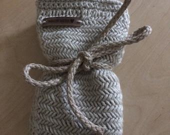 selfmade potholder, knitted