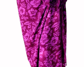 Beach Sarong Pareo in Magenta Purple Hawaiian Hibiscus Flowers - Batik Sarong - Swimmer & Surfer - Swimsuit Cover Up - Sarong Wrap Skirt
