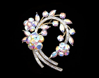 Crystal Large Flower Wreath Brooch Pin Gold Tone Clear Clear AB
