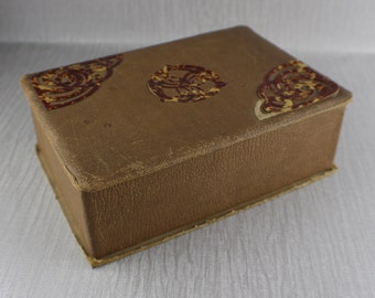 Vintage Worn Needlers Chocolate Carboard and Faux Leather Box 1930's