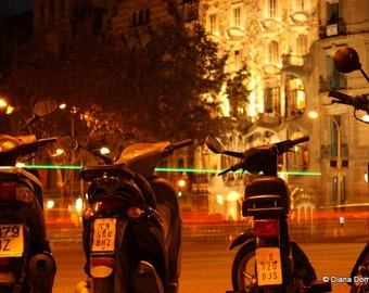 Barcelona Photos, Motorcycle Photos, Travel Photography, Barcelona Nights, Spain Photo, night photography, motorcycles, mopeds, lights