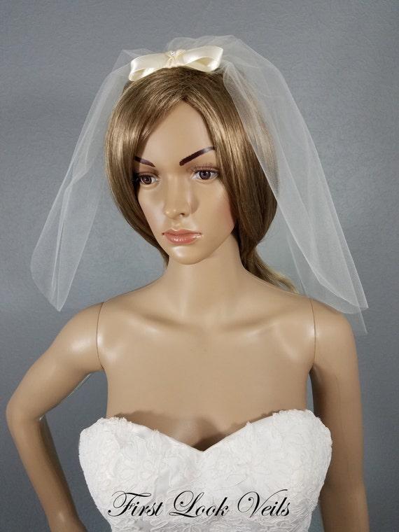 Ivory Wedding Veil, Shoulder Veil with Bow, One Layer Plain Viel, Bridal Veil, Wedding Vail, Bow Veil, Bridal Accessory, Bridal Attire