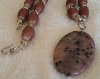 Rose bead necklace