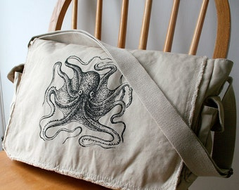 Octopus Canvas Messenger Bag Laptop Bag for Men Bag for Women