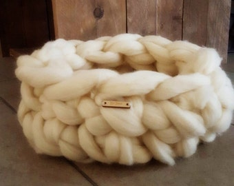 Basket approx 35 or 45 cm (for example, Kitty) crochet of 100% undyed warm, soft Merino wool chunky knit