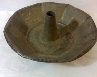 FREE SHIPPING vintage cake pan angel food cake pan metal pan (Vault 7)