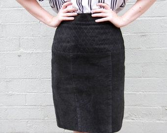 Vintage 1980s Black Suede Leather Skirt / Suede Skirt / Black Leather Skirt / Made in Canada / Diamond Detailed Waist /  XS/S