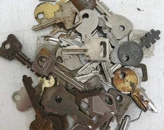 Vintage Flat Keys- Set of 50 #25