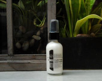 Oil free face moisturizer with silk proteins