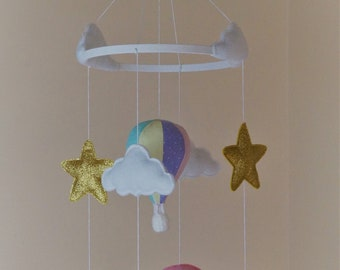 Hot air balloon baby mobile with Unicorns Pastel colours and Gold