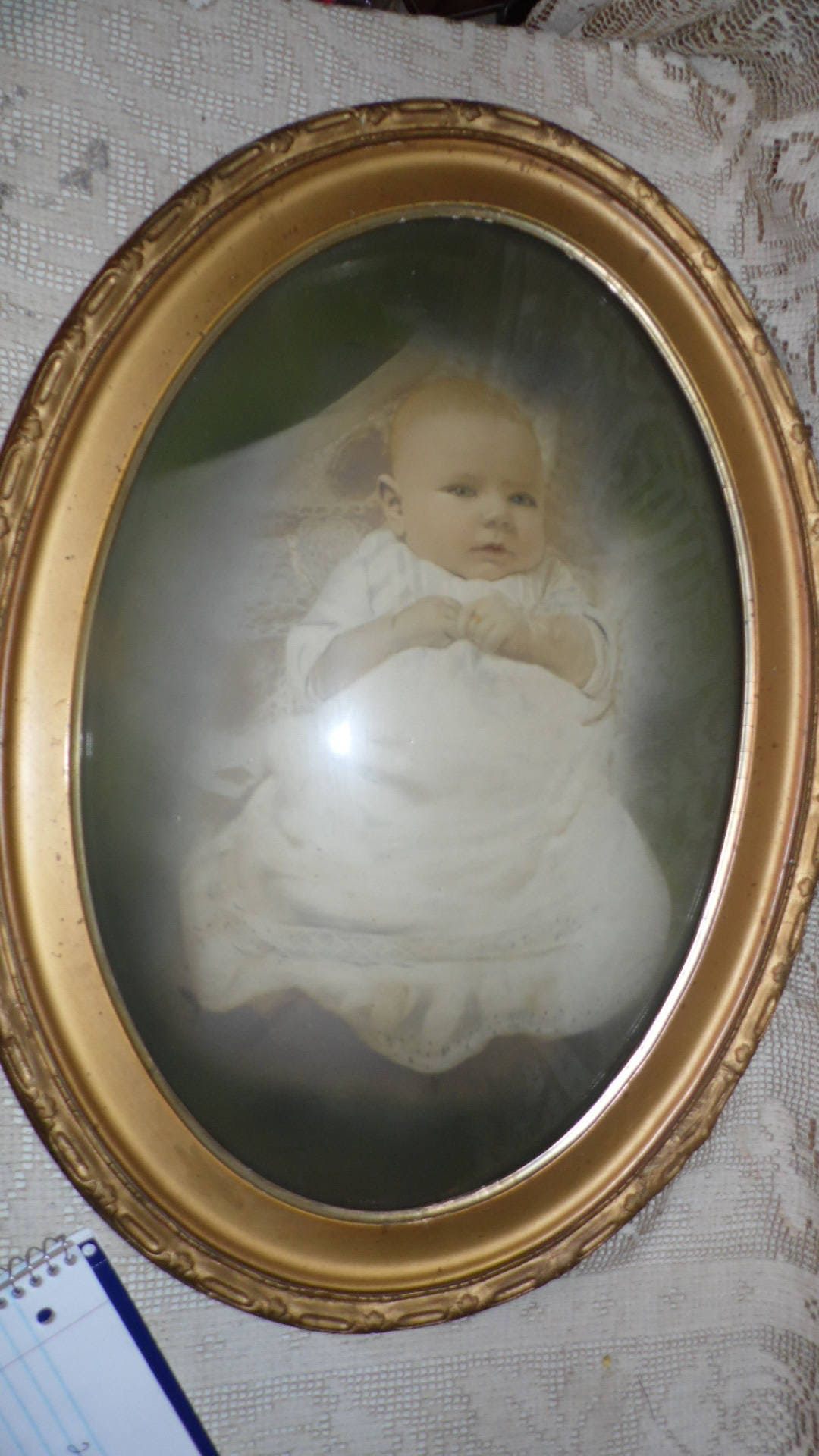 Antique photo of baby picture convex bubble glass ornate wood zoom jeuxipadfo Image collections