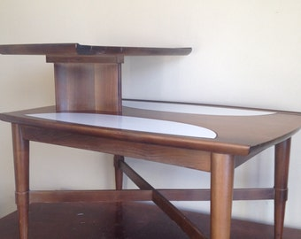 1960 Mid Century Gordon's Inc Vintage Side / End Table. Johnson City, Tennessee.