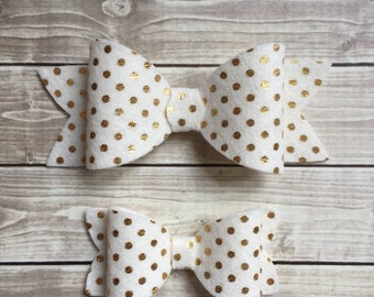 Gold dot felt bow in size of your choice.
