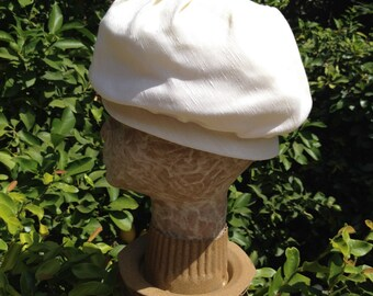 1960's Ivory Lightweight Bubble Hat
