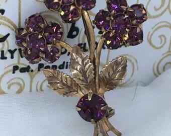 Beautiful vintage flower bouquet brooch