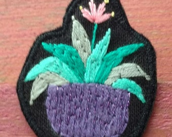 Brooch embroidered cactus