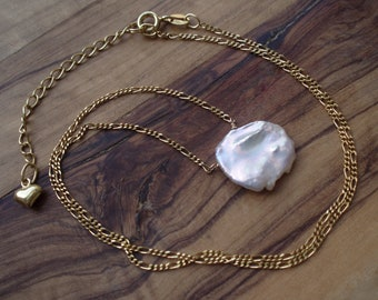 Keshi pearl necklace - June birthday gift for her - Gold pearl necklace - June birthstone - Simple pearl pendant - Keishi pearl jewellery