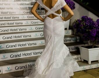 Mermaid wedding dress Boho wedding dress or gown, Bohemian wedding dress in trumpet silhuette, Simple Modern wedding dress in white