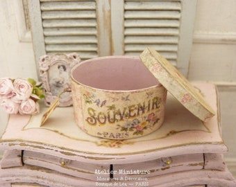French Dollhouse, 1:12th scale, Pink Oval Hat Box, Miniature in Wood and Paper, Souvenir de Paris, Old fashion,