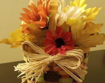 Adorable mini acorn basket
