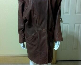 Vintage  Overisze Carmel Brown Leather Petites Coat LNR size Small Boho style