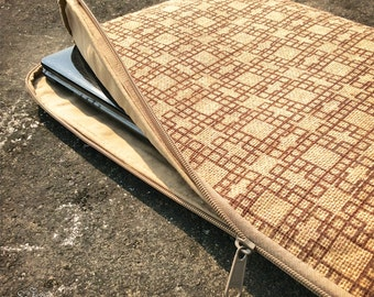 Eco-Friendly Macbook Air, Notebook, iPad, Netbook Sleeve. Hand-made of Jute