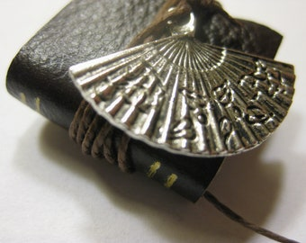 Ladies Fan Book - Dollhouse Miniatures (Item B5)