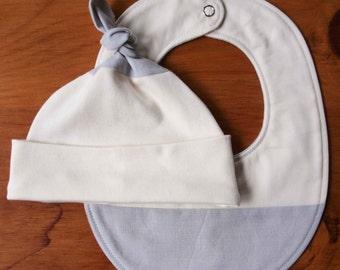 Modern Baby Hat and Bib Gift Set; Pale Dove Gray and Ivory Newborn Baby Cap and Drool Bib; Organic Cotton Teething Bib, Baby Beanie in ASH