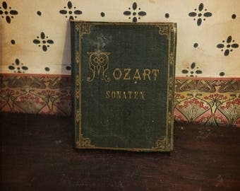 Blythe Doll bedside vintage Book Prop 1:6 scale Miniature dollhouse Mozart gothic literature music