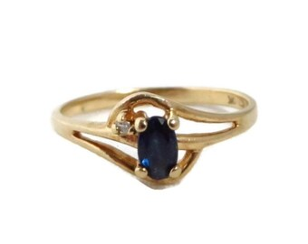 Blue Sapphire Ring, Vintage Gold Ring, Sapphire & Diamond Engagement Ring, Promise Ring, Solid Gold Ring