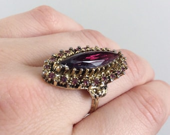 1970's Gold Tone Purple Costume Jewelry Ring Estate Jewelry by Maeberry Vintage