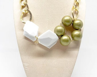 Geometric Necklace, necklace for her, collier white and gold