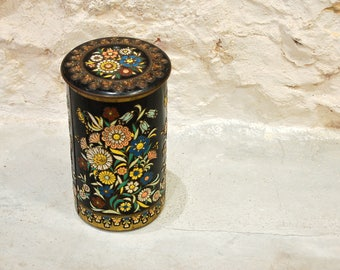 Old Dutch box with flowers