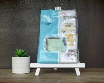 Retro Pillowcases, Set of White Pillowcases, 70s Floral Standard Pillowcases, Mix and Match Pillowcases, Vintage Deadstock NIP Pillowcases